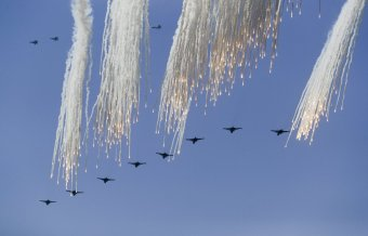russian-jets-fire-their-flares