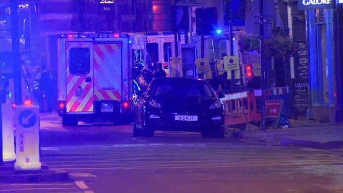 'ON THE FLOOR!' — London Bridge Bar Patrons Terrified As Police Come Storming In (VIDEO) – True Pundit