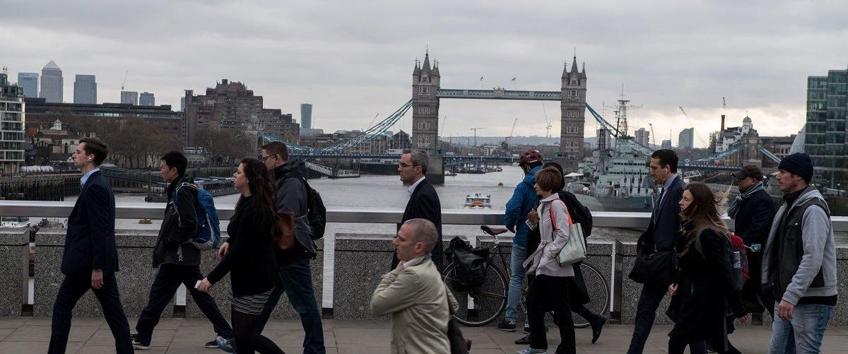 Van Plows Into Pedestrians On London Bridge Causing Confirmed Fatalities, Police Close Down Scene – True Pundit