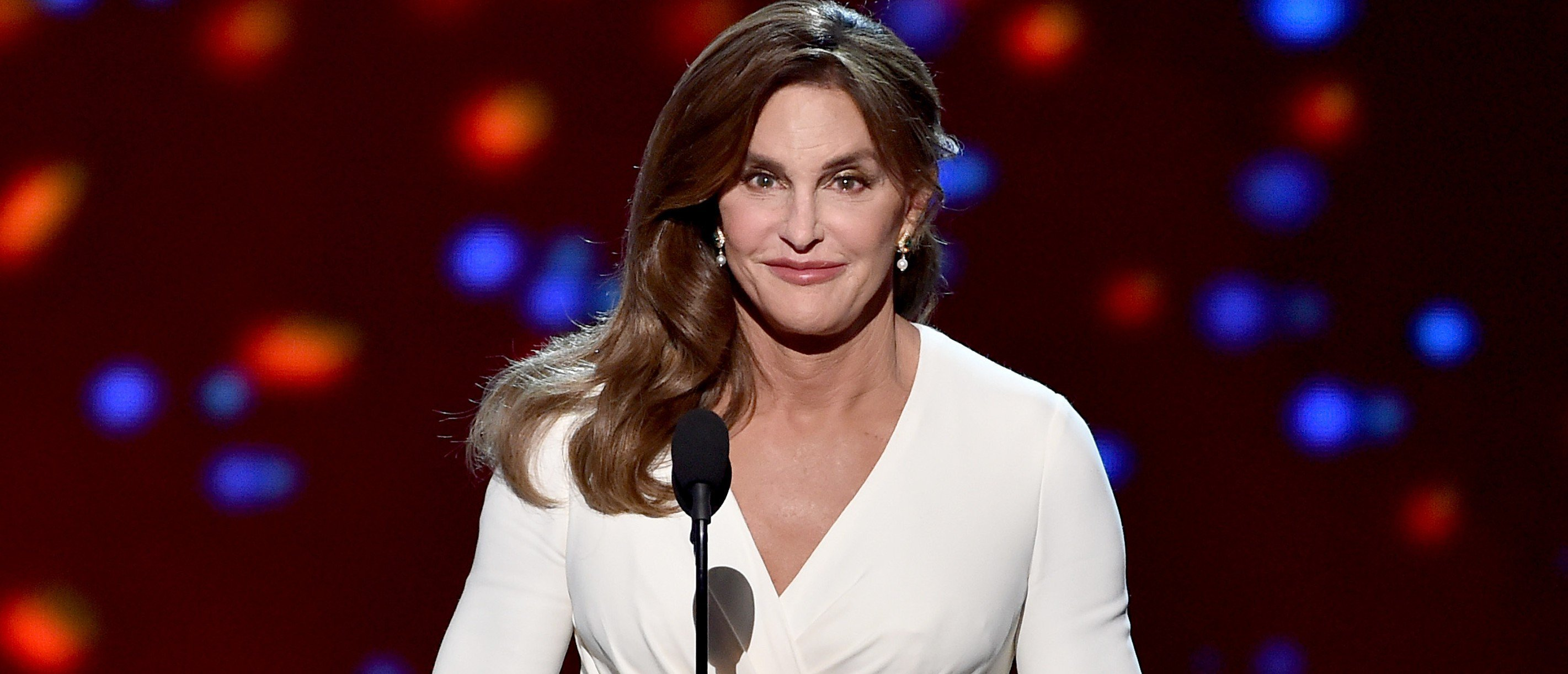 Caitlyn Jenner Apologizes For Wearing Trump Hat