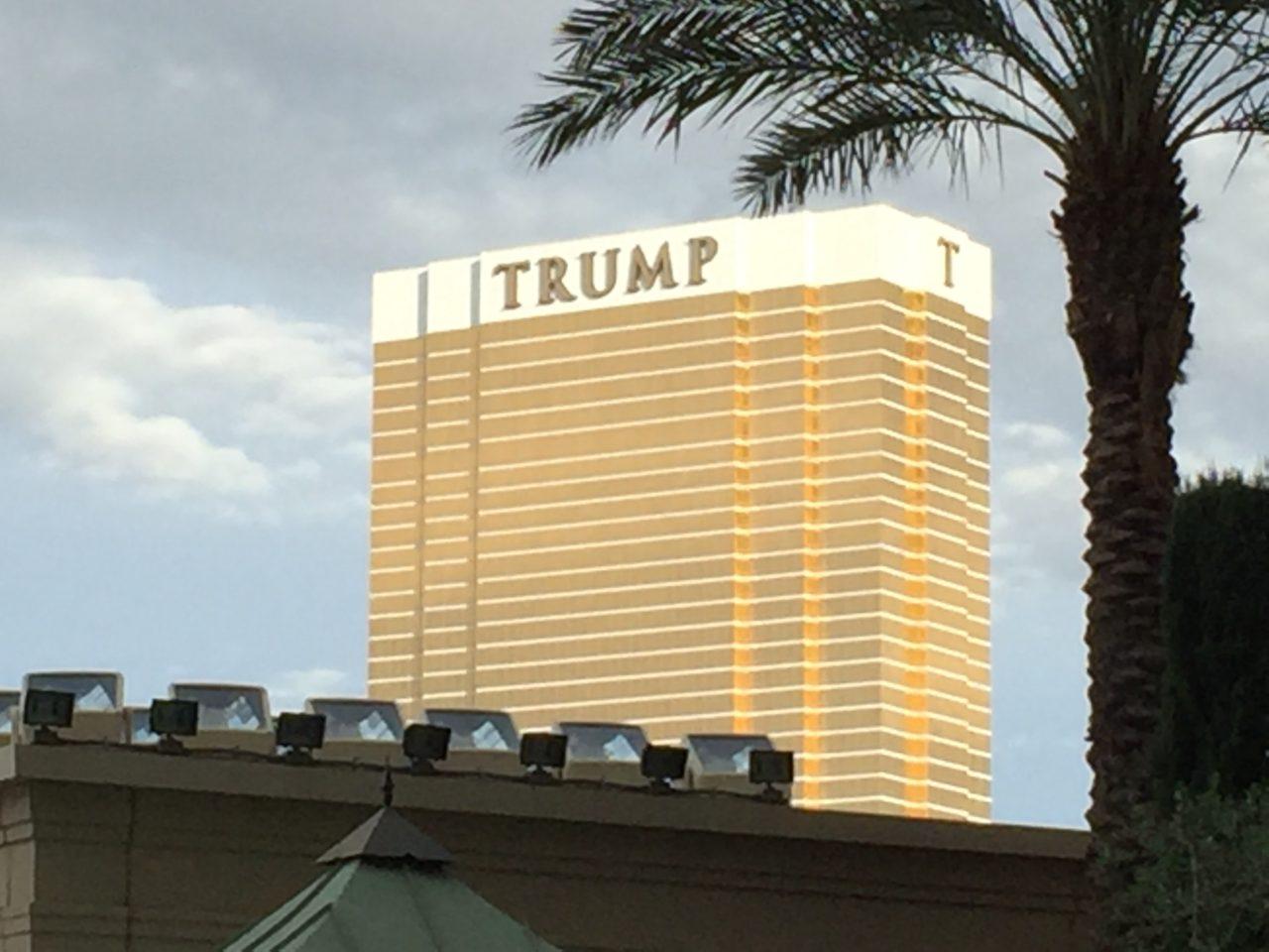 Arsonist Sets Trump International Hotel in Las Vegas on Fire - Breitbart