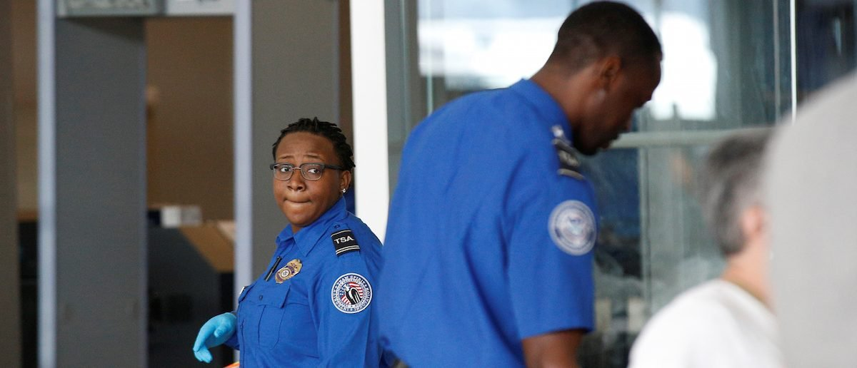 Cost Disputes Could Derail Plans To Track Foreigners In US Airports