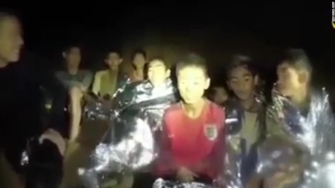 Thai soccer team rescue: Former Navy diver dies while ...