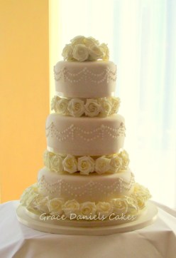 Ivory rose & Piping wedding cake (1)