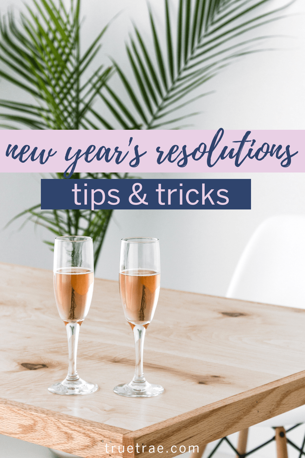 Elizabeth Koraca talks New Year's resolutions, from how to choose a New Year Resolution to best ways to keep up the commitment. #2019 #newyearsresolutions #tipsandtricks #howto