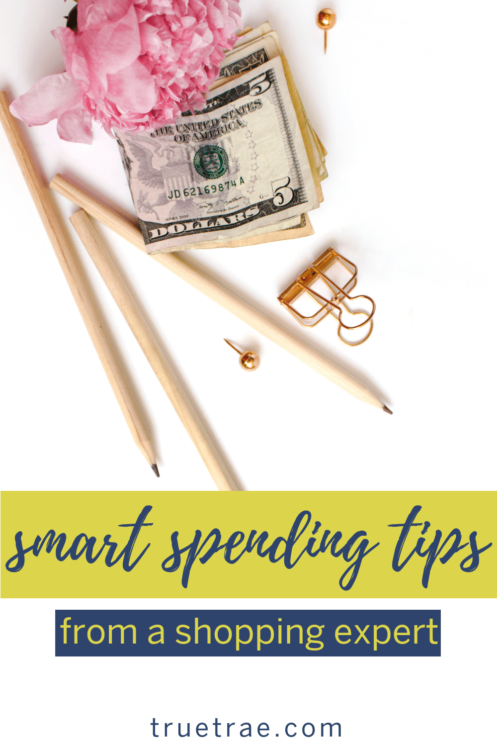 It's shopping season. And if you want to come out with your bank account balances above zero, you'll need these smart spending tips. #smartshopping #spendingtips #shoppingexpert