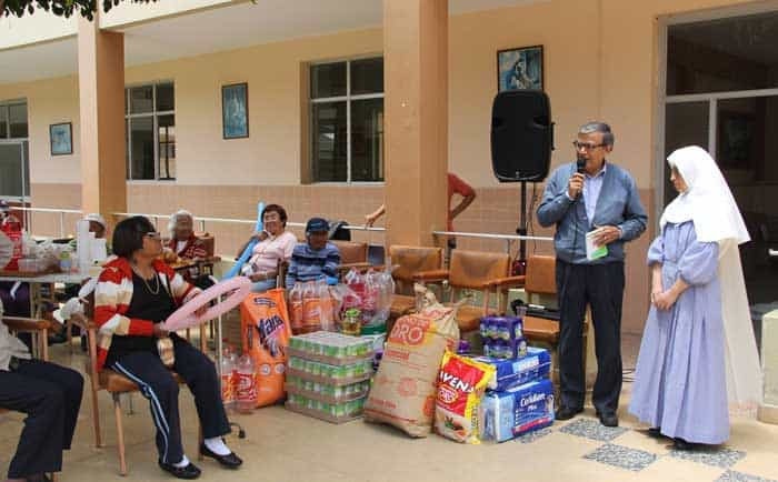 Proyecto especial chavimochic lleva donaciones al asilo de for Asilos para ancianos