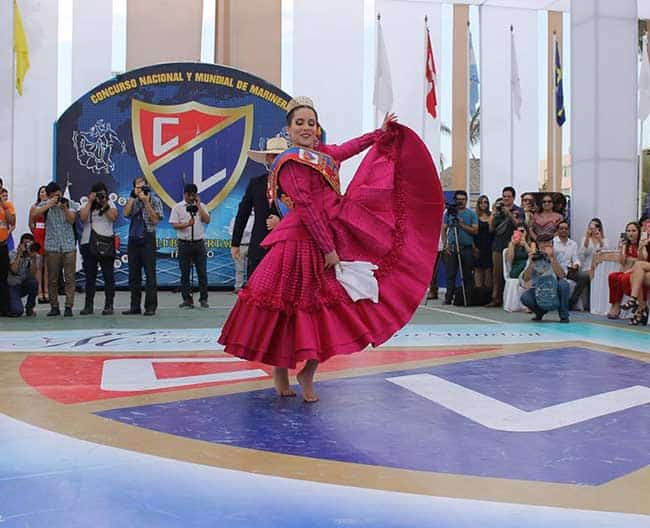 Paloma Salaverry Santa María fue presentada como la reina del 59º Concurso  Nacional y el 9º Mundial de Marinera en el Club Libertad de Trujillo. 2b9f1582f2d