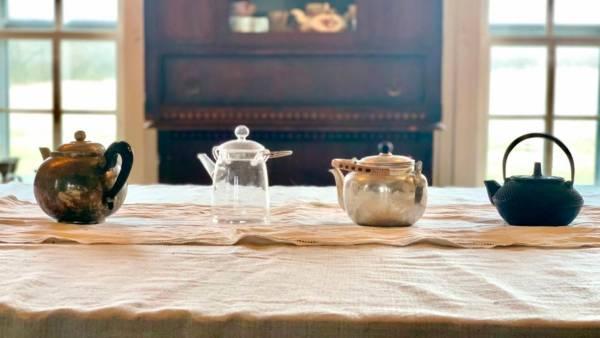 teapots, table decor