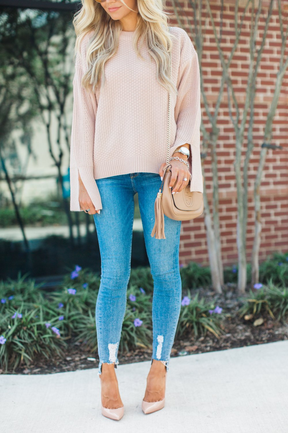 This blush sweater is perfect for fall and for moms that are on the go! It is very versatile and so comfy!