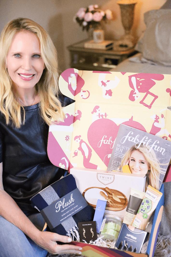 Dallas blogger Truly Megan sharing her FabFitFun Fall 2019 box.
