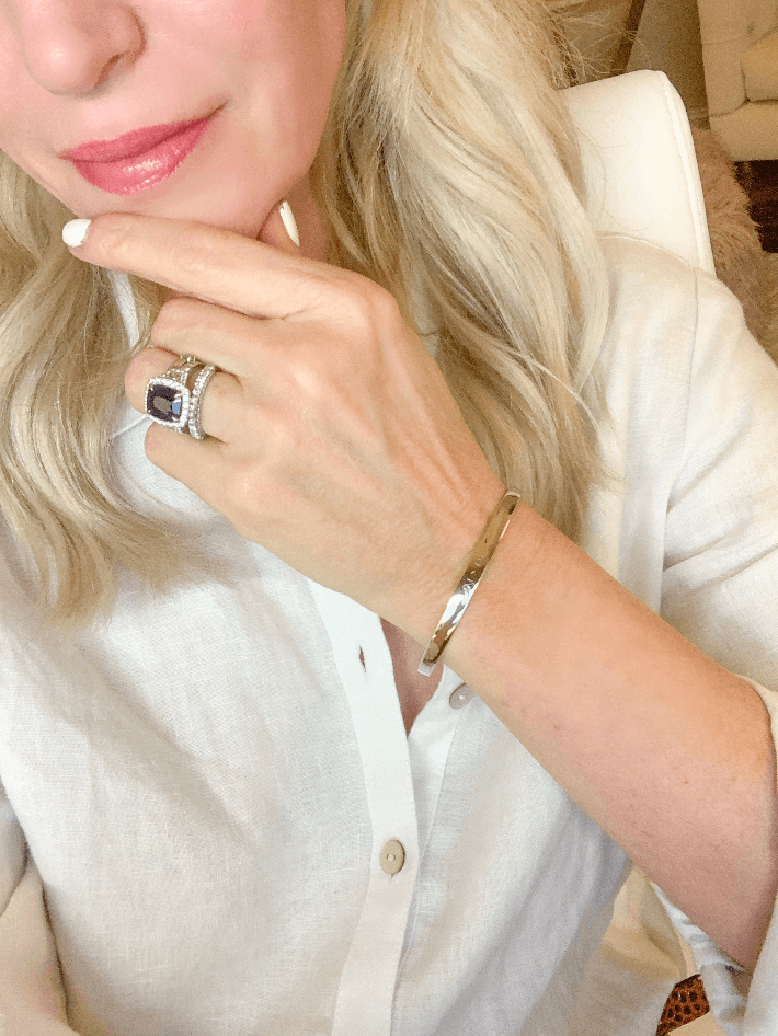 Dallas blogger Truly Megan wearing the Gabriel & Co. 91>19 Covid-19 Special Edition Bracelet.