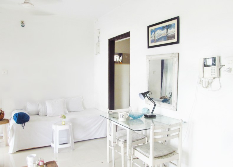 Home _ White