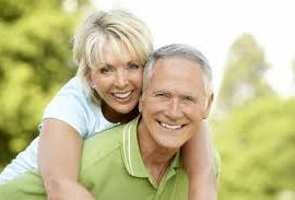 Happy seniors get their medigap plan for Cuningham Insurance