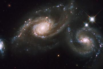 trio de galaxies arp 274 nasa hubble telescope