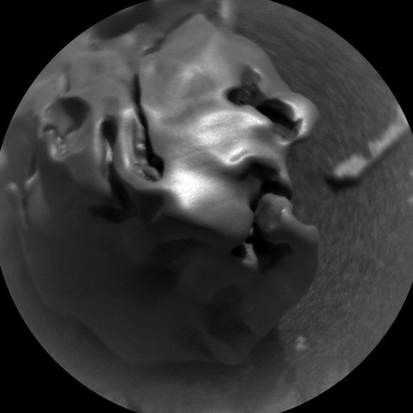 meteorite metallique lisse mars rover curiosity