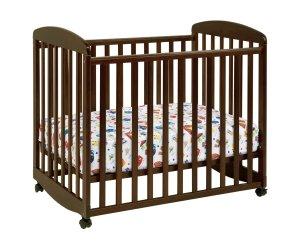 3.DaVinci Alpha Mini Rocking Crib