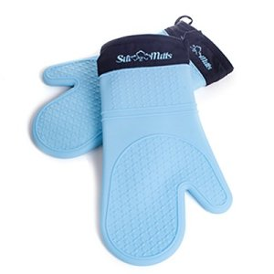 7. Potholder Gloves by Life Quintessentials