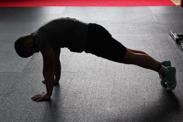 Free bodyweight strength routine