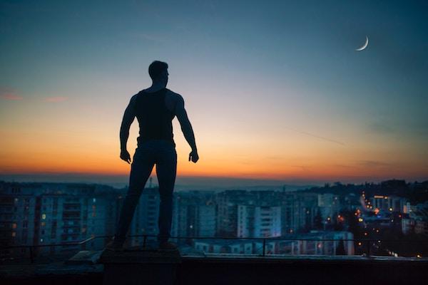 Kinobody Greek God vs Superhero bulking program