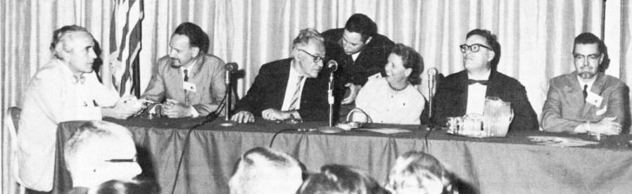 Слева направо: Фриц Лейбер, Эд Эмшвиллер, Вилли Лей, Джордж Сайзерс, Ли Брэкетт, Айзек Азимов, Лайон Спрэг де Камп, 1963 год