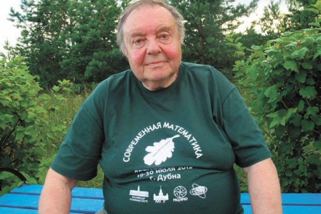 В.А. Успенский принял участие и в лингвистической, и математической школах.