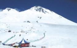 Эльбрус и лыжники
