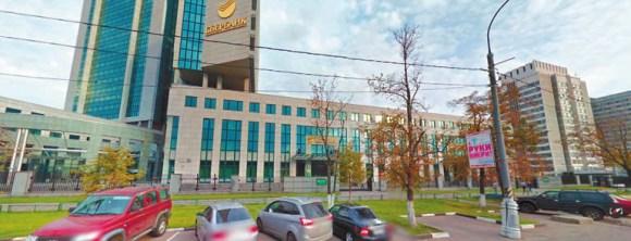 Москва, пересечение пр. 60-летия октября и ул. Вавилова. Слева — центральный офис сбербанка, справа — институт системного анализа РАН (Google Maps)