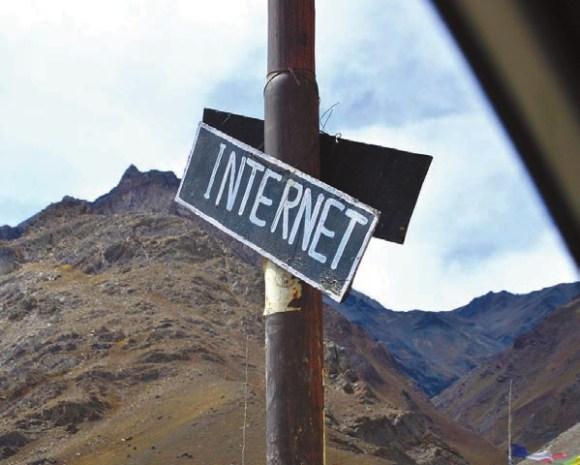 Интернет. Долина Спити (Лиданг, около 3400 м). 8 октября 2011 года. Фото В. Скворцова