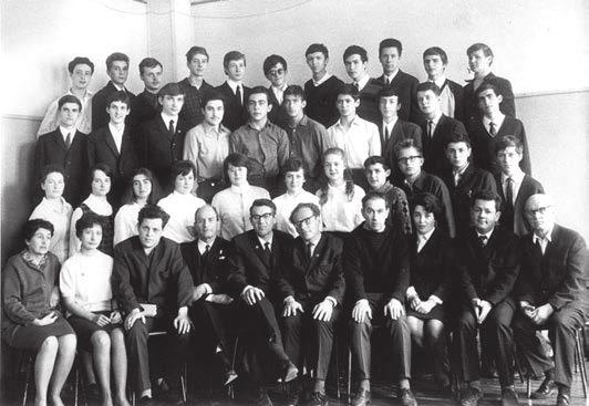 1969 год. 10-й «А» класс, в котором учились С. Недоспасов, В. Тумаркин и А. Цатурян. Фото из Архива