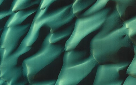 Марсианские дюны. Фото MRO NASA