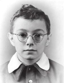 Будущий астрофизик, академик РАН Лев Зелёный. 2-й класс, 1957 год. В школе его прозвищем было «Профессор»