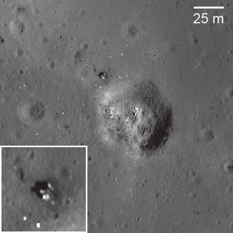 Посадочная ступень «Луны-24» обнаружена исследователями на снимках LRO в марте 2010 года в 2,3 км от «Луны-23» (которая лежит на боку). «Википедия»