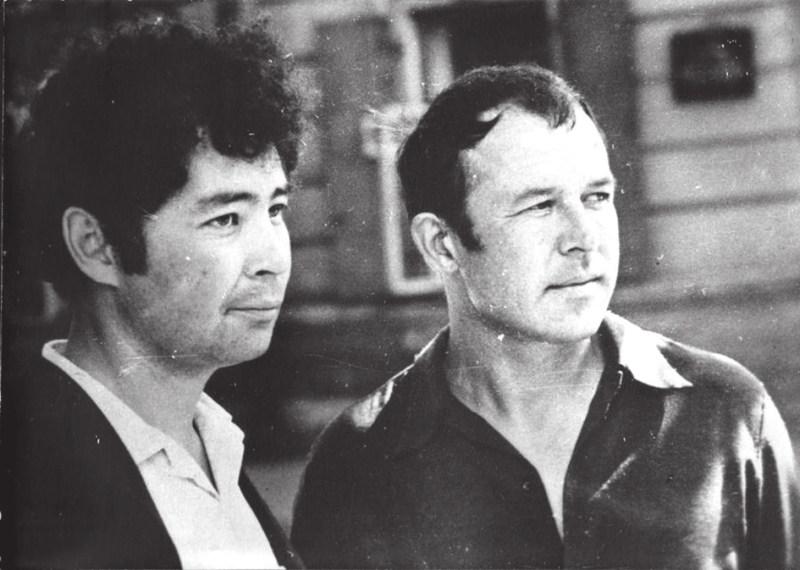 Александр Вампилов и Глеб Пакулов, июль 1971 года. Фото Э. В. Фоминых с сайта vampilov-irk.ru