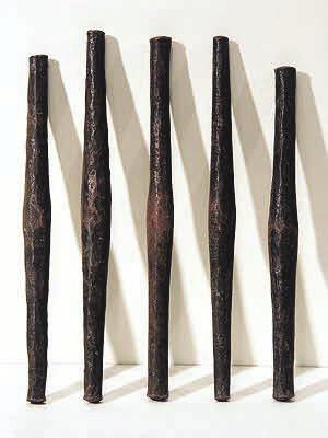 Рис.5. Катанга, денежные слитки меди. Длина примерно 25см (hamillgallery.com)