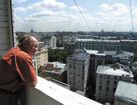 А.М. Гиляров на балконе музея-квартиры Святослава Рихтера 9 июня 2009 года. Фото П. Петрова