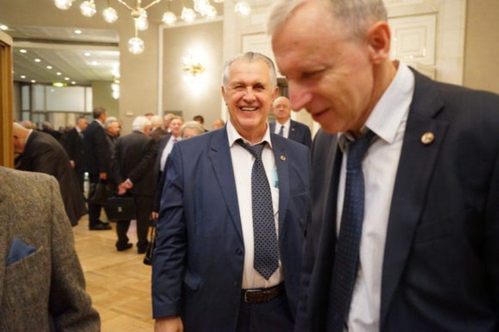 Борис Порфирьев - справа