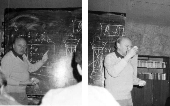 Слева: Халатников терпеливо отвечает на вопрос. Справа: Почти теряя самообладание
