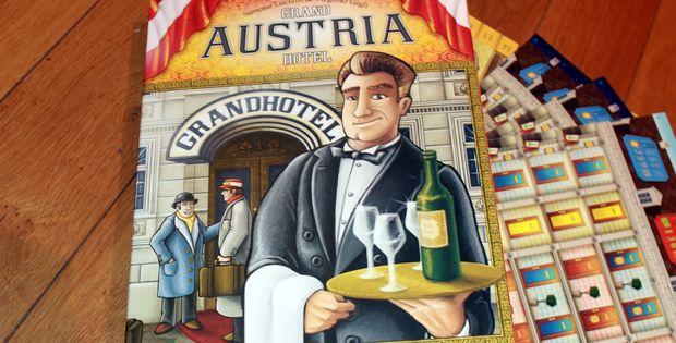 Déballage - Grand Austria Hotel : au service de sa Majesté