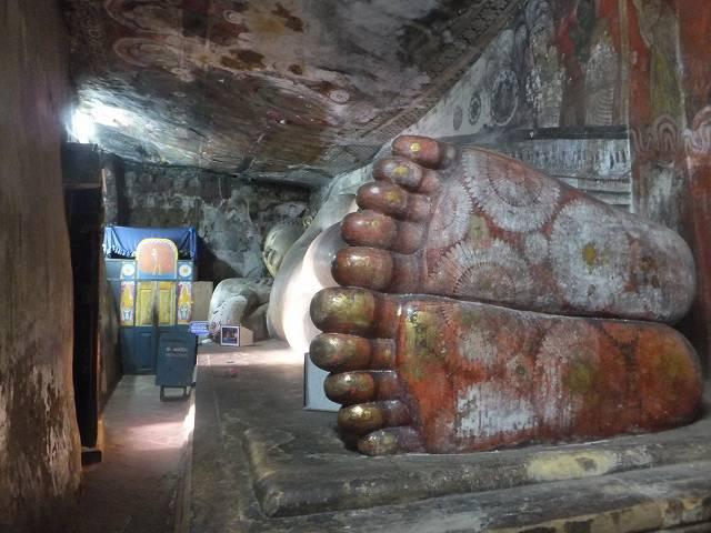 大仏の足の裏:ダンブッラ黄金寺院(石窟寺院):スリランカ