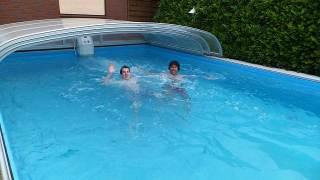ドイツのお金持ちのお家のプールで遊ばせてもらいました