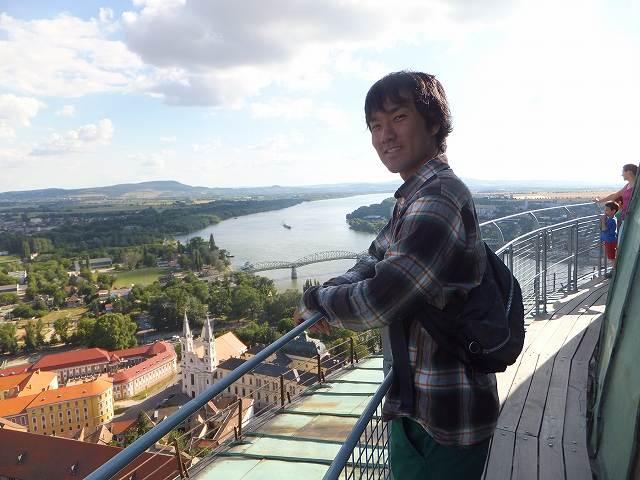 エステルゴム大聖堂から望むドナウ川:ハンガリー