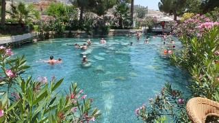 パムッカレ温泉、下にはゴロゴロと古代遺跡が