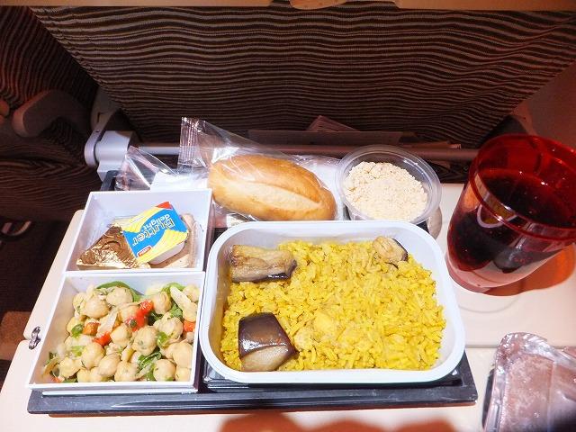 機内食、エミレーツ航空