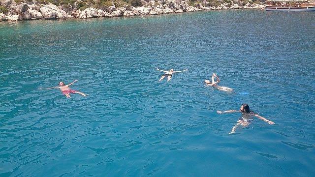 地中海でのスイミング