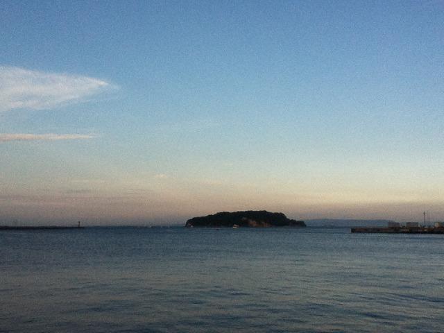 無人島猿島が見えます