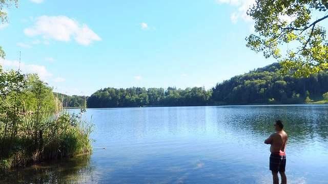 スイス田舎の湖:トゥルラー湖