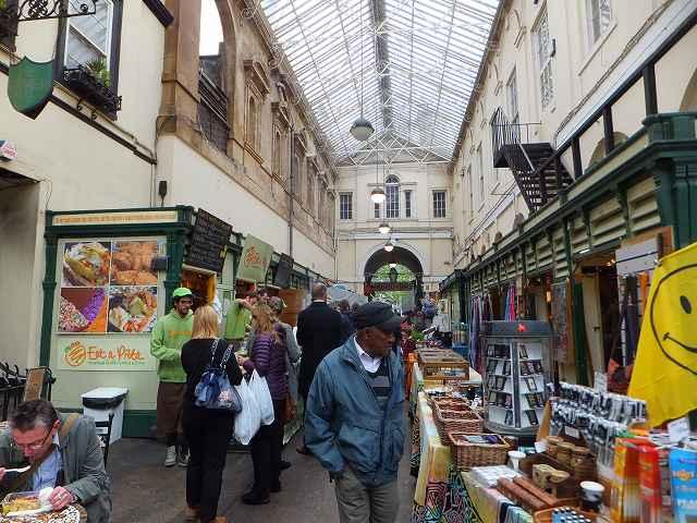ブリストルの街のマーケット