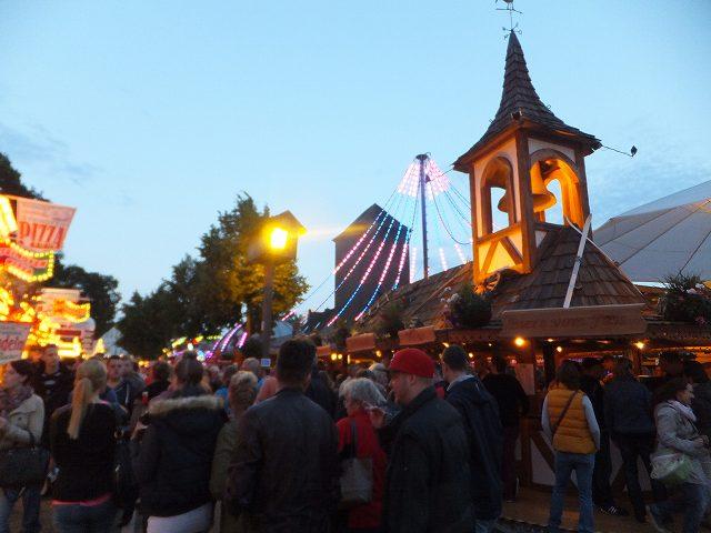 だんだんと盛り上がるフェスティバル:ドイツ田舎町