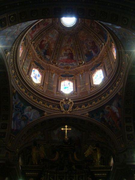 ゴゾ島にある大聖堂の内部